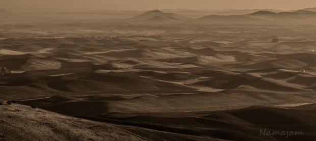 Sunrise on the Palouse. Stagnant air conditions created an interesting image.