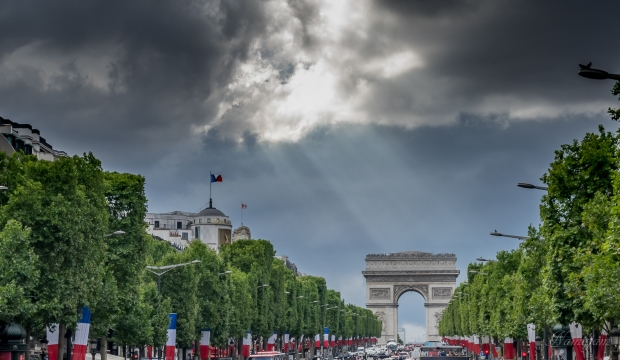 Arc de Triomphe. Right place at the right time